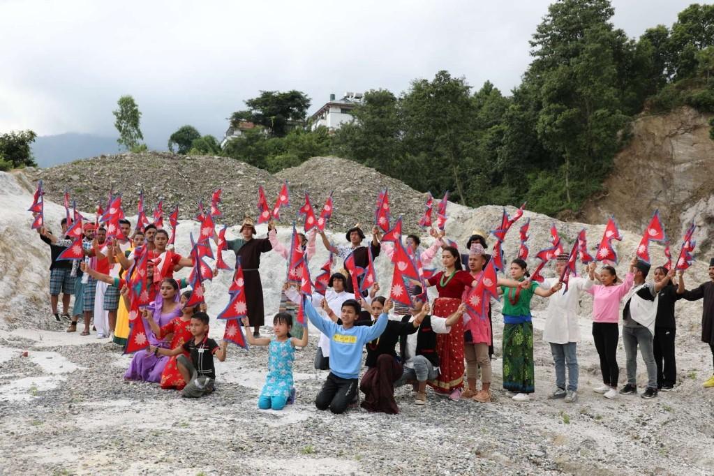गीतकार टेक तामाङको 'नेपाल आमा' गीत सार्वजनिक